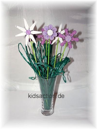 weiße Wäscheklammerblumen
